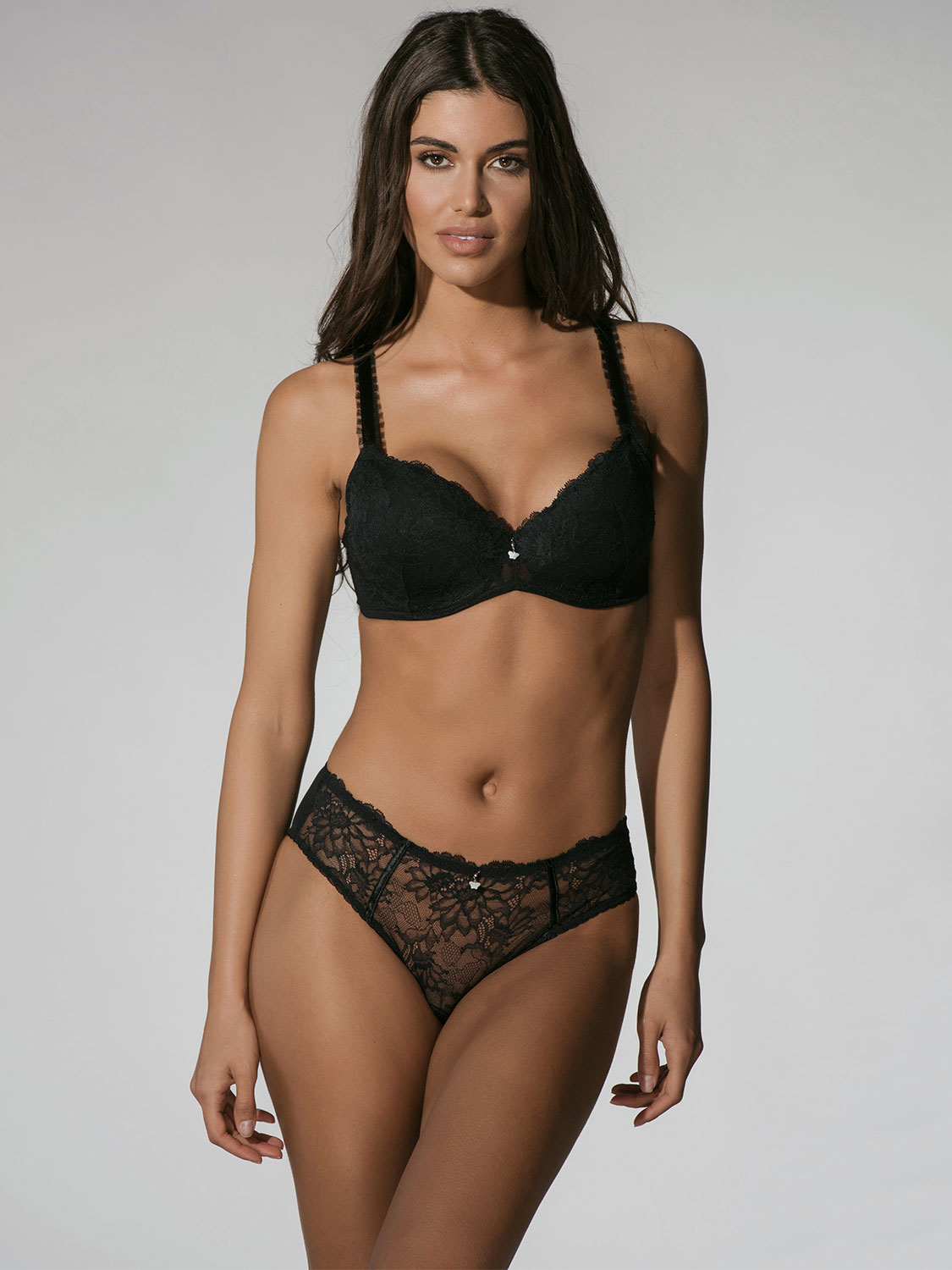 Character 23001 brief black