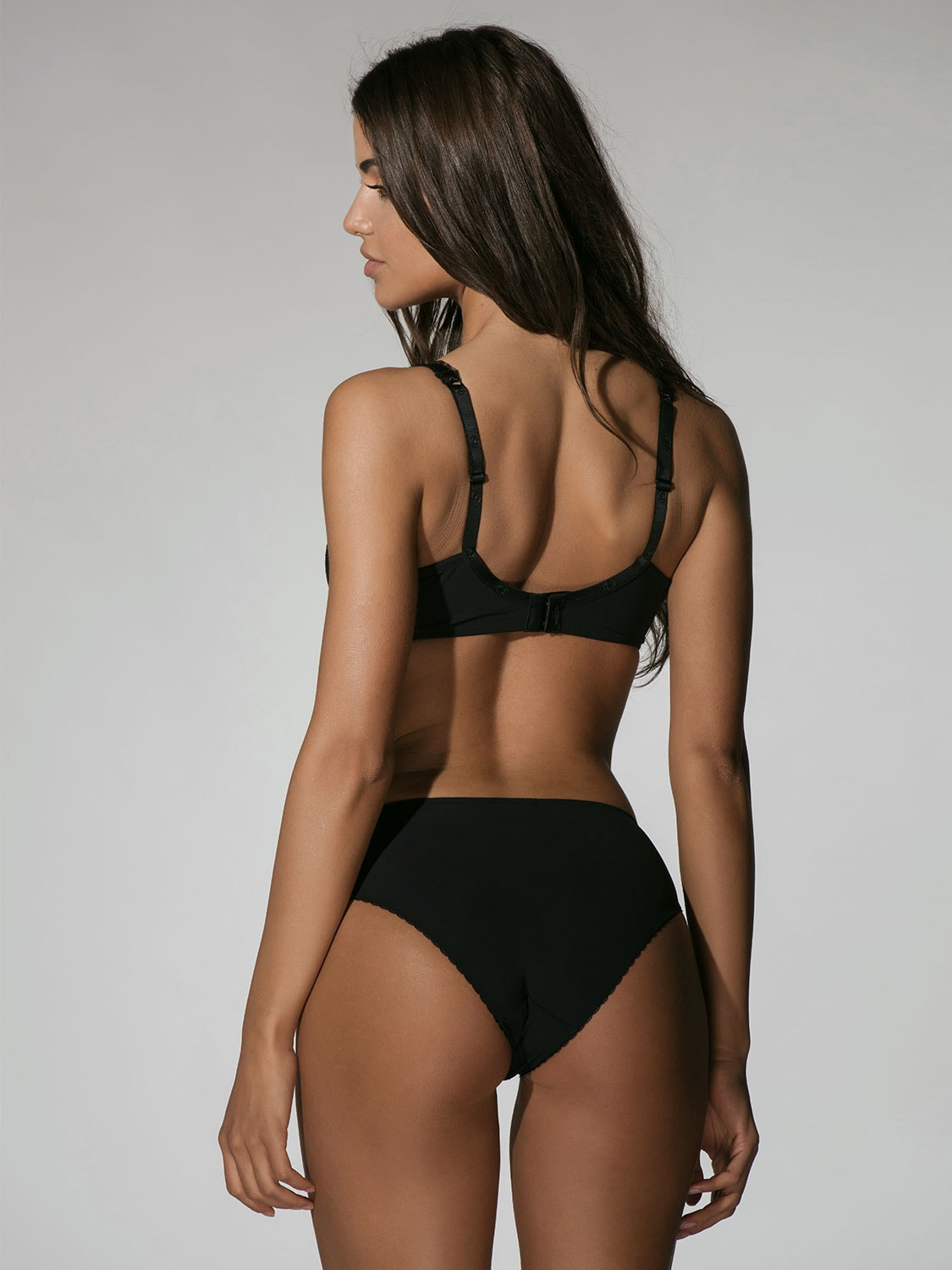 Character 23001 brief black back