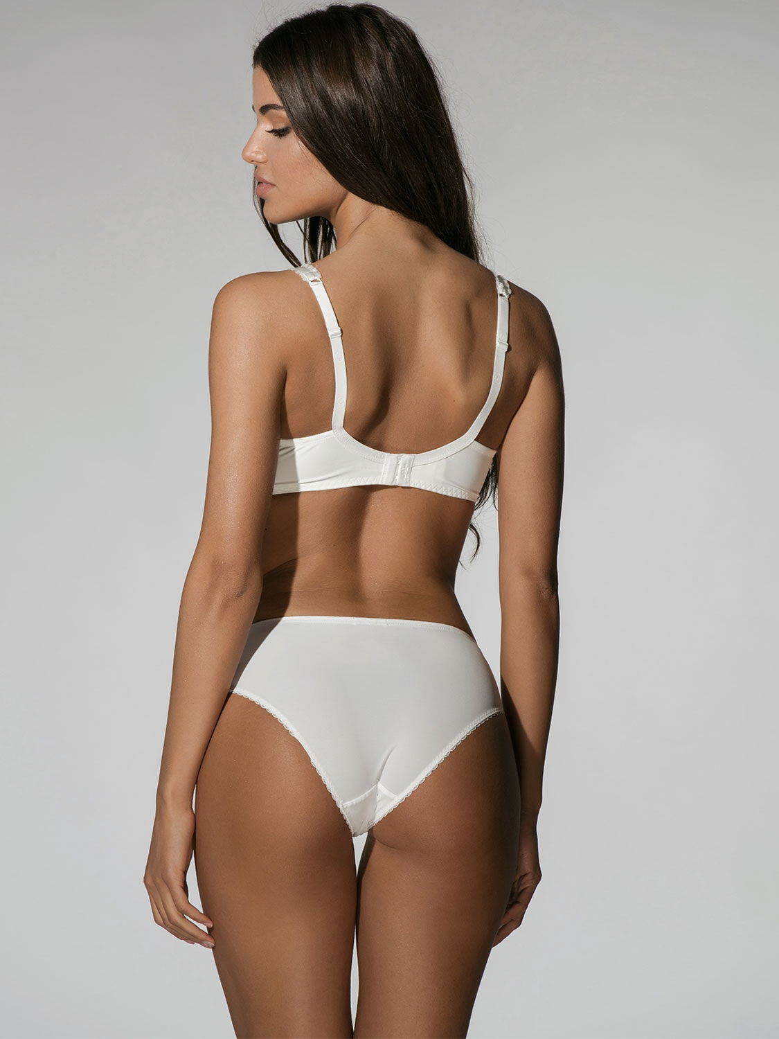 Character 23001 brief ivory back